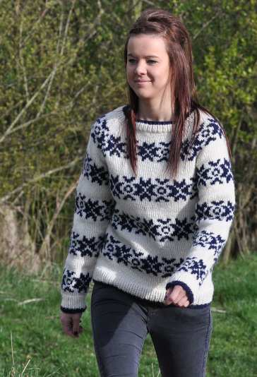 Knitting Pattern For The Killing Jumper : The Killing Snowflake Sweater in FRITIDSGARN SNOWFLAKE FTD